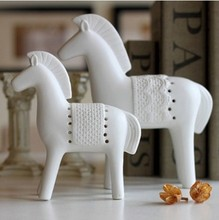 The original factory direct ceramic crafts biscuiting horse Home Furnishing decoration 4665 creative gifts