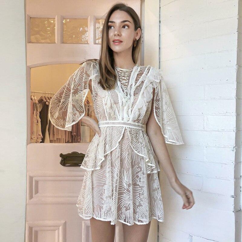 Белое кружевное платье с круглым вырезом плащ рукавами рюшами выдалбливают Винтаж Лето Для женщин Элегантный Мини платья