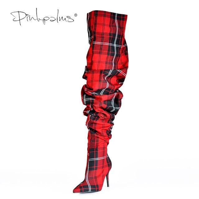 Ограниченная серия; обувь с розовыми ладонями; женские складные сапоги; пикантные Зимние ботфорты; Женские ботинки в клеточку красного цвета на высоком каблуке