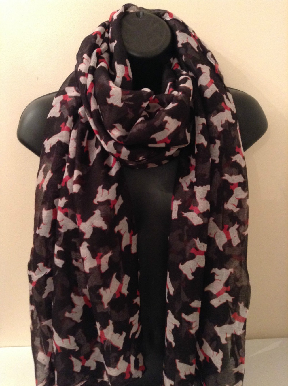 Ladies Women Westie Yorkshire Terrier Scottie Dog Print BLACK   Scarf     Wrap   Shawl