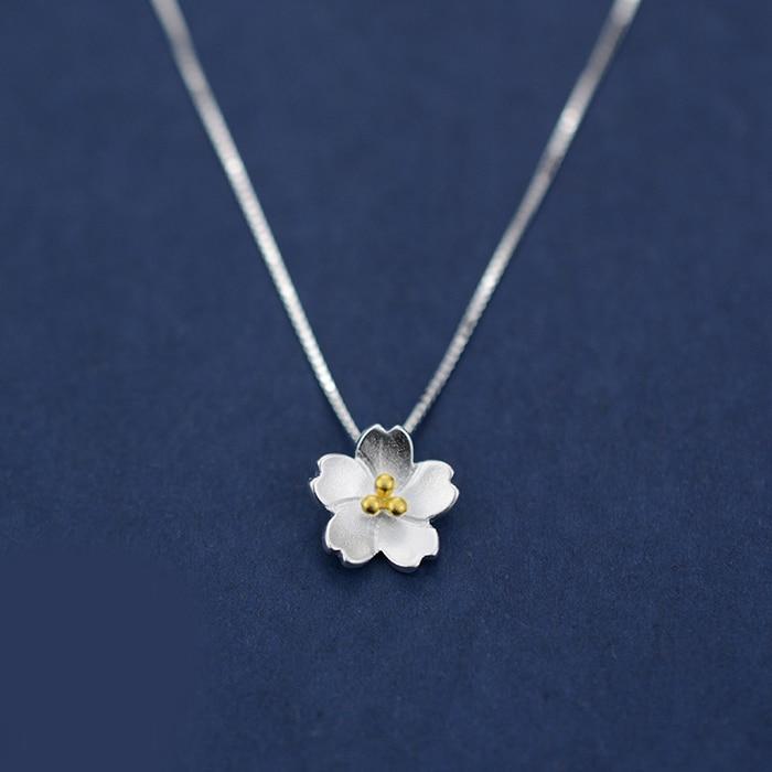 Metal Romantic Elegant Daisy Flower Necklace Jewelry Collar Statement Pendants