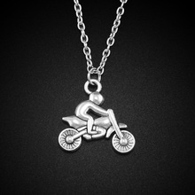 2017 New Women Men Jewelry Vintage Silver Tone Small Motorcycle 0.7″X0.9″ Pendant Short Necklace 4409 Free Shipping