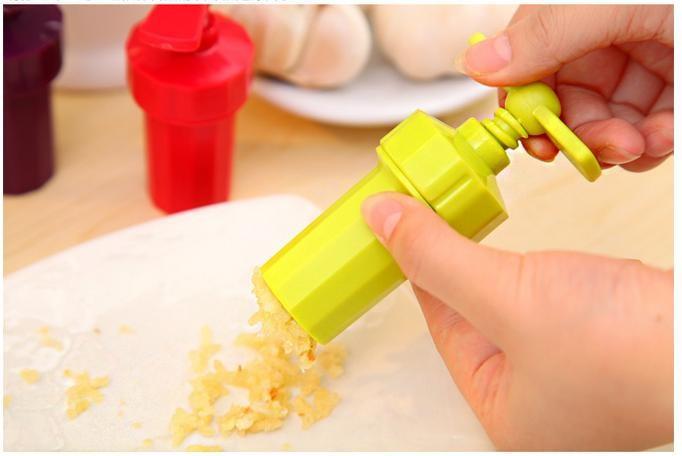 Kitchen Ginger Garlic Manual Press Twist Cutter Crusher Cooking Tool Plastic Garlic Presses Blenders Peeler