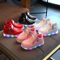 New 2018 European Patch Cartoon Lovely LED Boots Spring Autumn Fashion Boys Girls Shoes Cute Kids