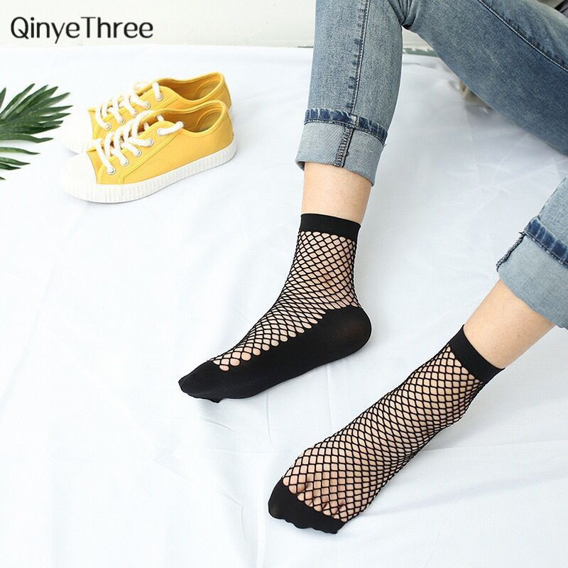 Hot Sale 1 Pair Black Sexy Look Through Wild Fishnet Socks Half And Full Mid Hollow Fashion Short Socks Women Summer Thin Sokken