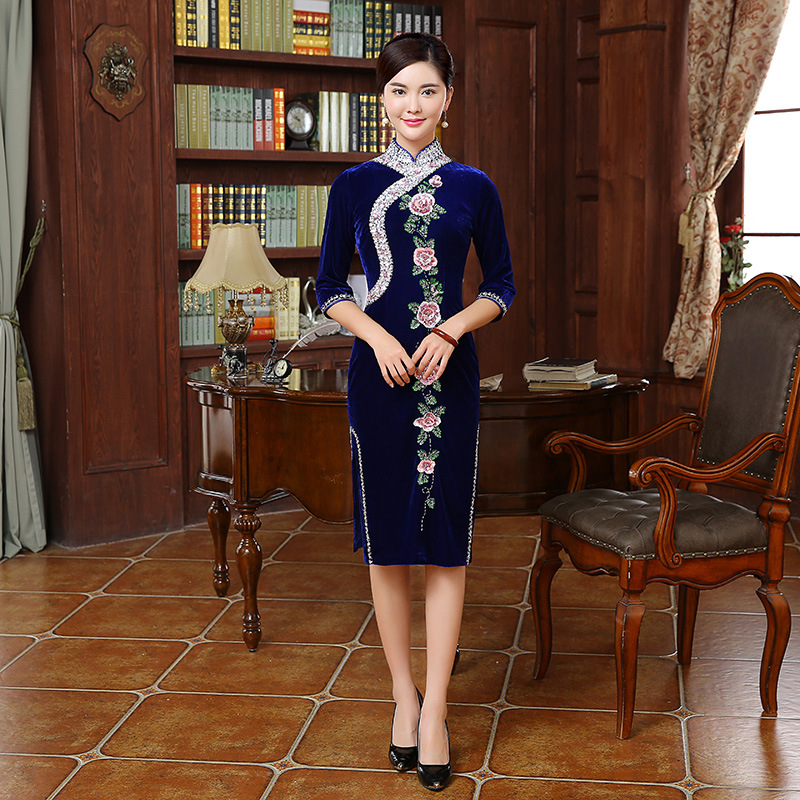 Luxury Manual Bead Embroidery Velvet Mother Cheongsam Blue Chinese Traditional Dress Long Qipao Women Qi Pao Oriental Dresses