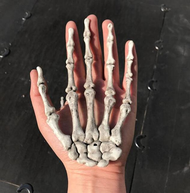 New Skeleton Hand Claw Witch Hands Haunted House Escape horror props ...