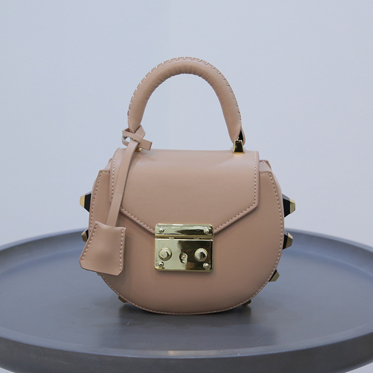 ФОТО 2017 novelty brand design small rivet saddle bag girl summer cute sindle shoudlder bag genuine leather crossbody bag