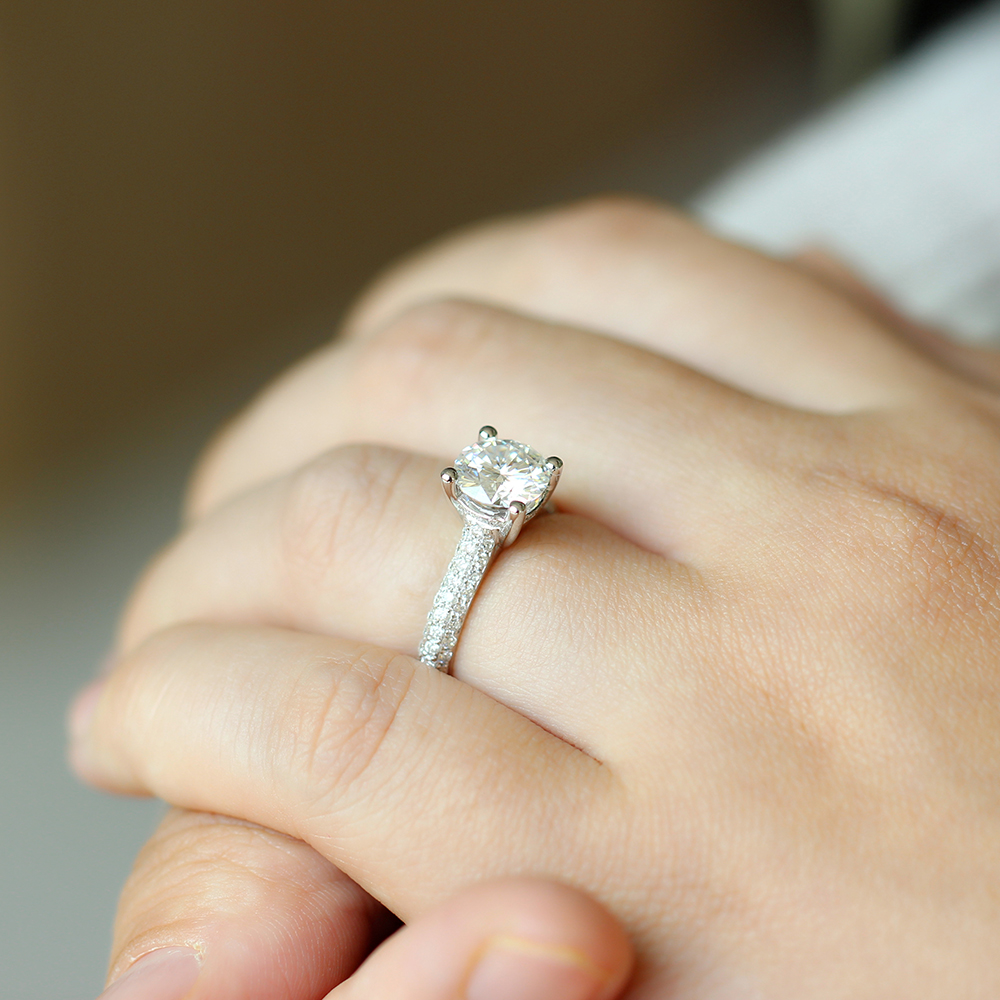 moissanite ring with accents (21)