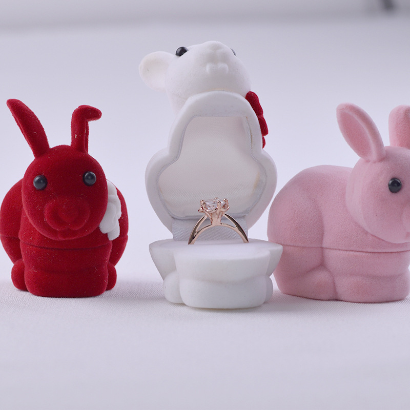 Lovely Cartoon Rabbit romantic