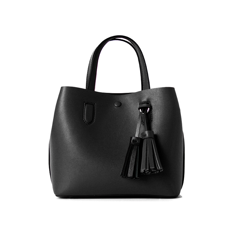 LOEIL Bag female tide Korean version of the wild small bag shoulder Messenger bag female tassel bucket leather handbag