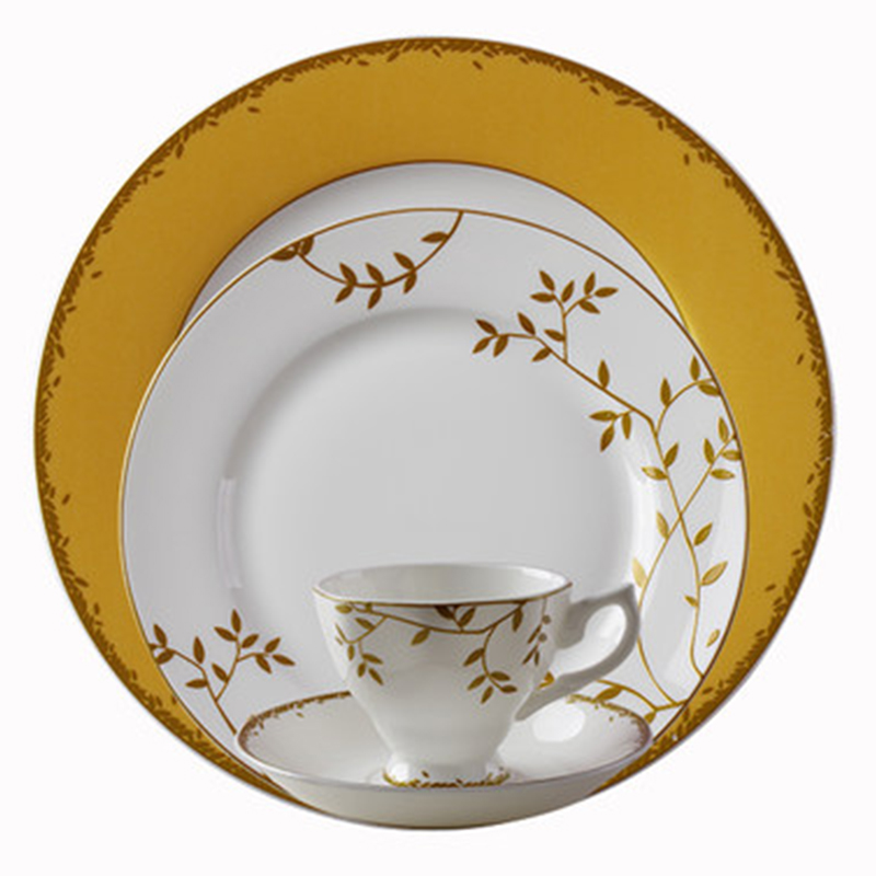 Wourmth Royal Bone China Porcelain Dinnerware Set Western Tableware Sets Dinner Plates Ceramic Dishes Coffee Mugs With Saucer-in Dishes u0026 Plates from Home ...  sc 1 st  AliExpress.com & Wourmth Royal Bone China Porcelain Dinnerware Set Western Tableware ...
