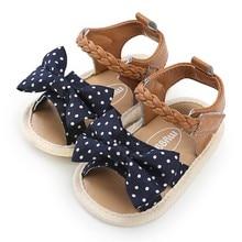 Обувь для маленьких девочек; Новая модная летняя парусиновая обувь с бантом для новорожденных; повседневная мягкая обувь для малышей