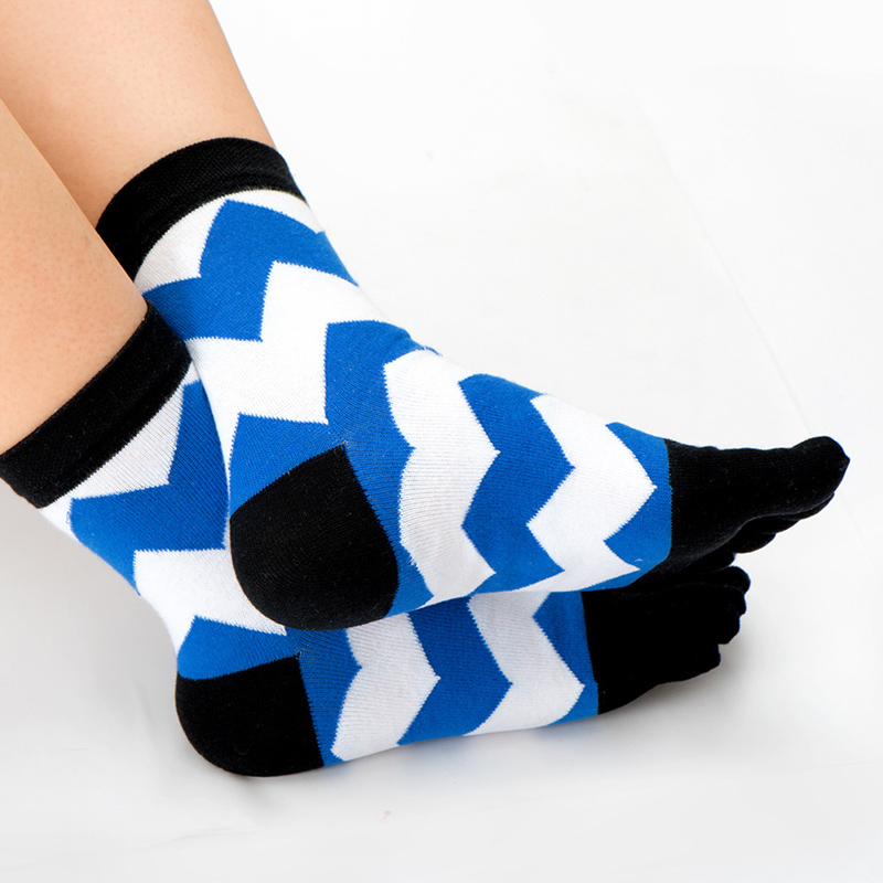 5Pairs Fashion Colorful Men Toe Socks Striped Wave Business Cotton Socks Crew For Male Fashion Funny Sox Five Finger Toe Socks