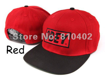 2Pcs/Lot Freeshipping 2012 Hot Sale HIGH QUALITY Classi Box Logo Red OBEY Original Snapback Hats Cap Black White H-104