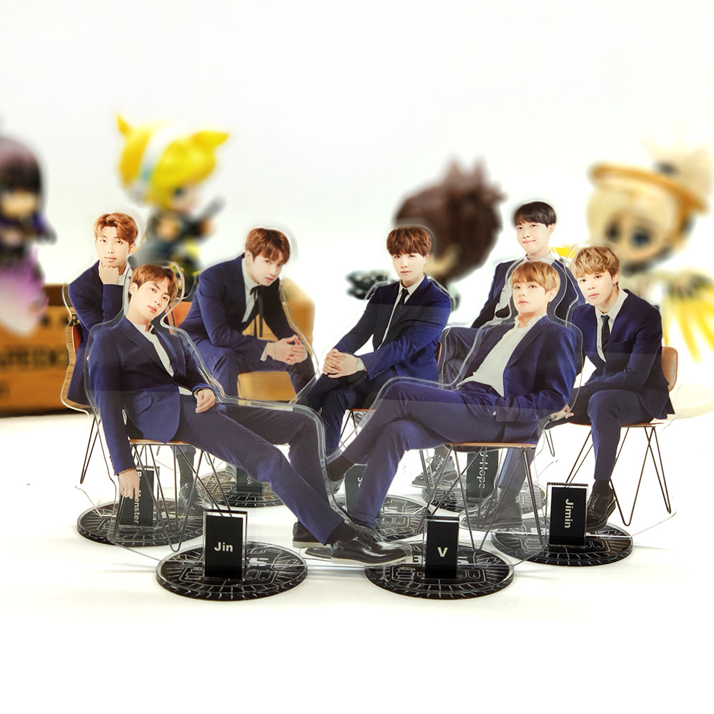 BTS Bangtan Garçons formelle porter assis KPOP étoiles groupe acrylique stand figure modèle double-côté support de plaque gâteau topper idol