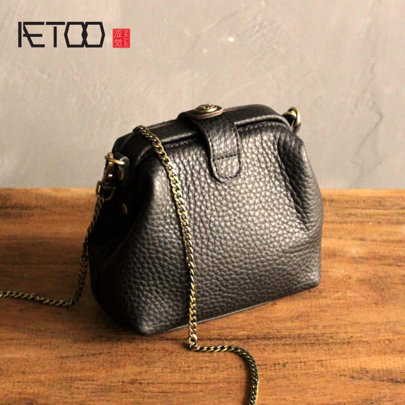 AETOO New mini leather doctor bag female first layer cowhide chain shoulder slung small bag soft leather purple mobile phone bag top quality mini chain bag casual small bag mobile wallet shoulder bag
