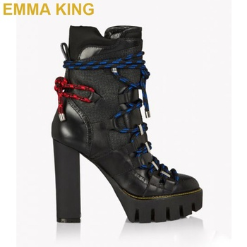 Fashion 2019 Runway Shoe Martin Boots Chunky High Heels Platform Women Ankle Boots Pointed Toe Winter Boots Cross-Tied Booties