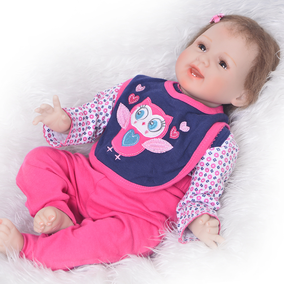 Realistic Smiling Reborn 55 cm Dolls Babies Silicone Vinyl Newborn Dolls Girl XMAS Gifts Cloth Body Reborn bebe Menina Bonecas my chinese classroom intermediate second 2 volumes attached cd rom english japanese commentary