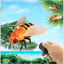 Radio Remote Control Realistic Fake Bee RC Insect Bug Prank Toys Insects Joke Scary Trick