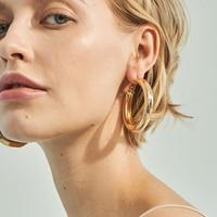 Boucles d'oreilles couleur or ou argent Boucles d'oreilles Bella Risse https://bellarissecoiffure.ch