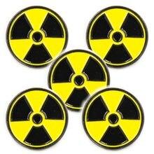 Lotes 5 pces símbolo de radiação lapela chapéu gravata boné pino crachá radioativo wmd broche fãs presentes jóias 2.1x2.1 cm