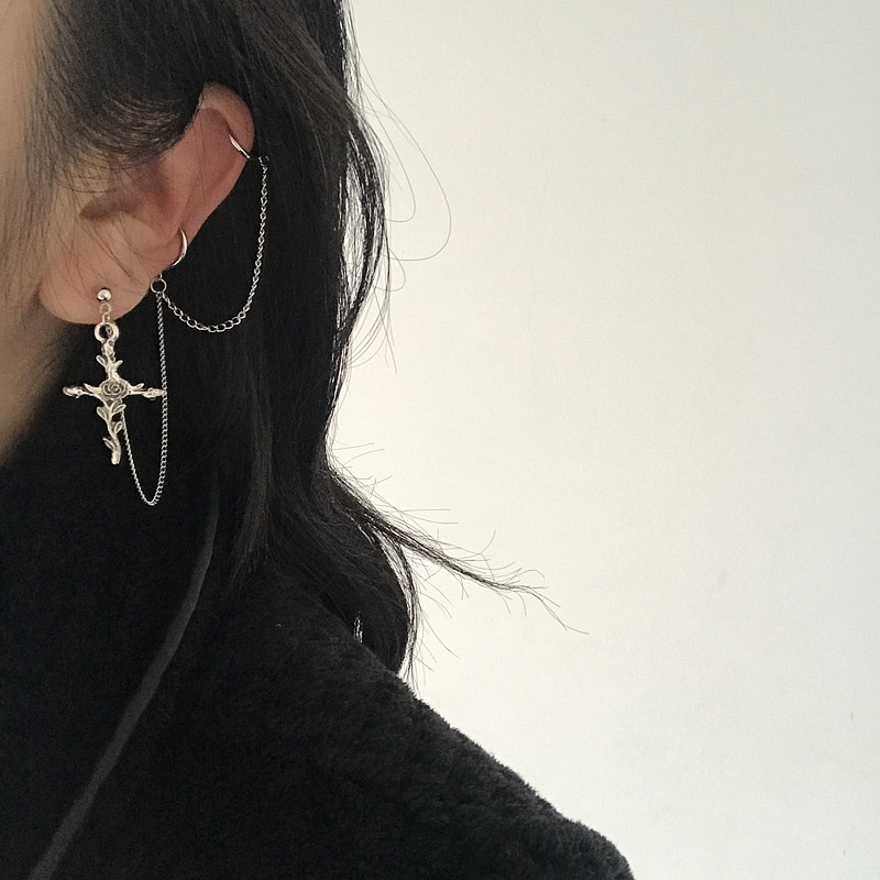 1PC Vintage Baroque Rose Cross Pendant Earrings Cool Handsome Integrated Ear Bone Chain Ear Bone Clip For Egirl Women Jewelry(China)