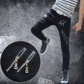 2015 Весна Лето Новая мода Марка Повседневная Черный Белый Поддельные Молнии тонкий PU Искусственной Кожи лоскутные Брюки мужские узкие брюки