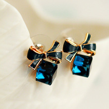 The High Quality Fashion 2016 Chic Shimmer Plated Gold Bow Cubic Crystal Earrings Blue Rhinestone Stud Earrings For Women