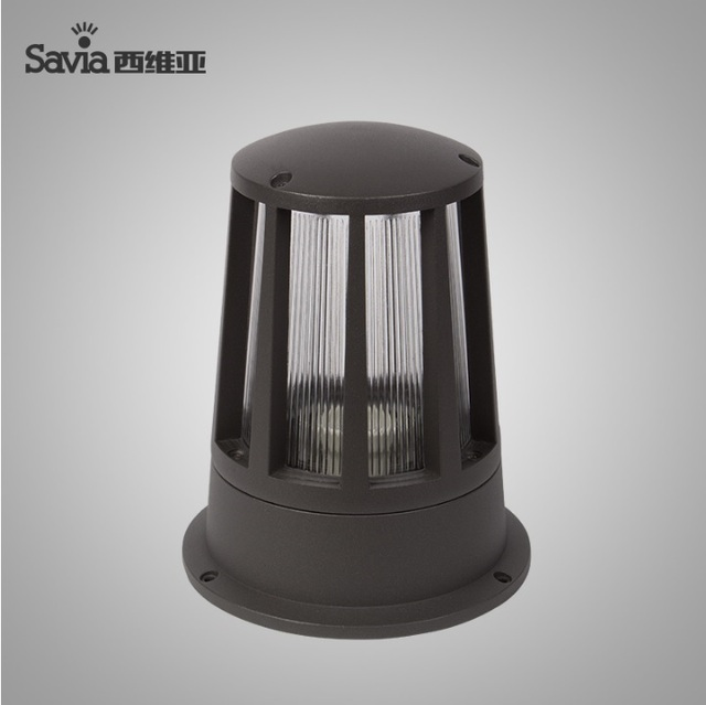 pillar top lighting fixture with die casting aluminum body and