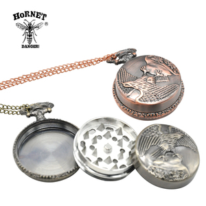 HORNET 3 Part Dia.40MM Zinc Alloy Herb Grinder Compass Shaped Tobacco Grinder Miller Spice Mill Smoke Crusher with Necklace