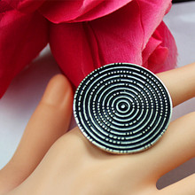 Popular wholesale Bohemian women leisure birthday party circular elastic ring plating ancient silver ring gift free shipping.