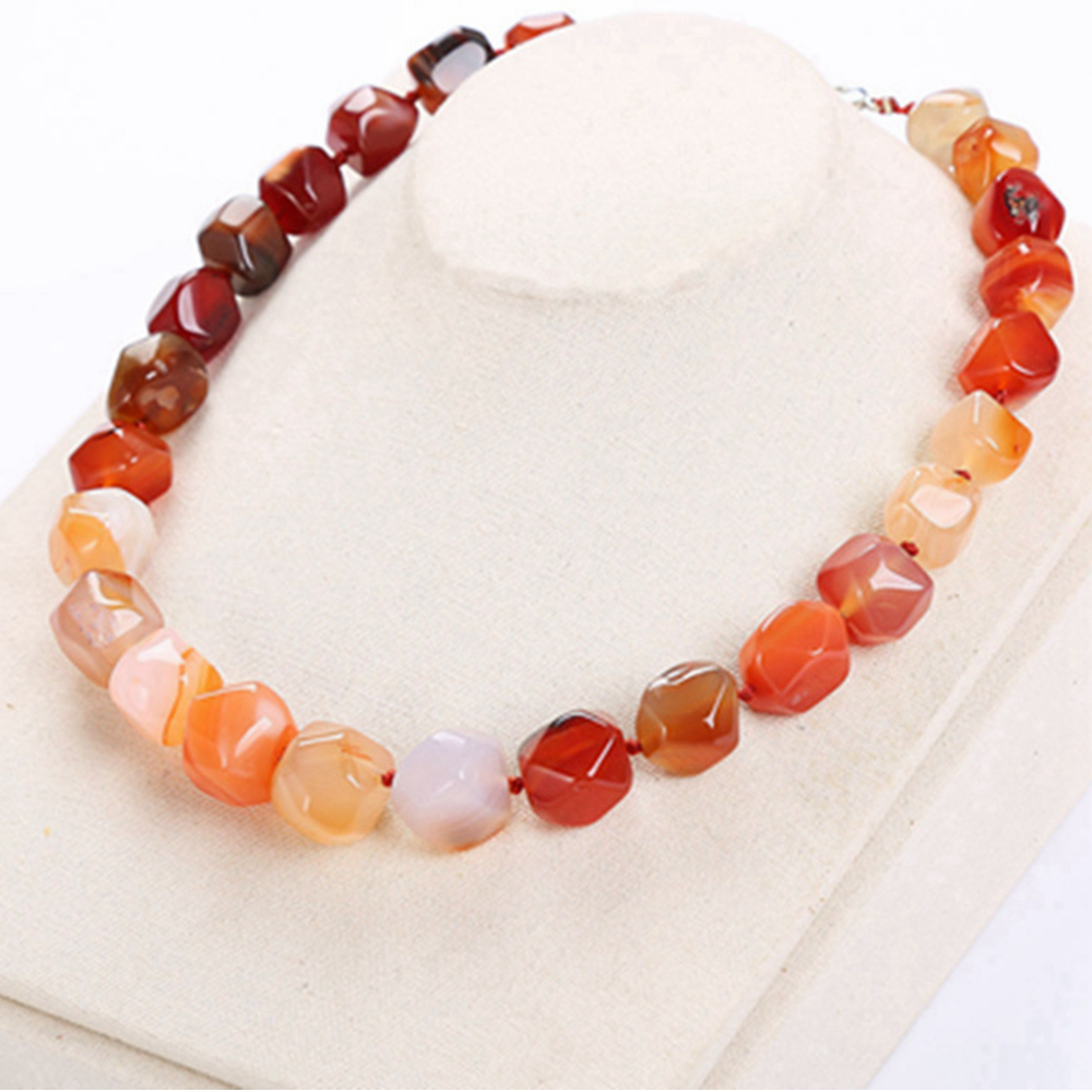 Original Natural Agate Irregular Stone Vintage Women Amber Jewelry Short Necklace Healing Crystal Popular Classic Exquisite Gift