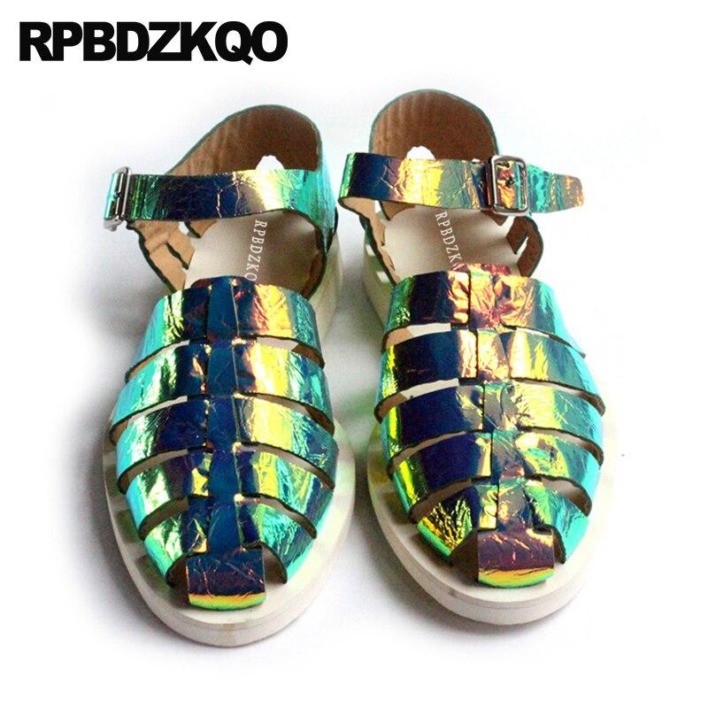 все цены на Flat Strap Closed Toe Men Gladiator Sandals Summer Shoes Casual Roman Breathable High Quality Luxury Genuine Leather Holographic онлайн