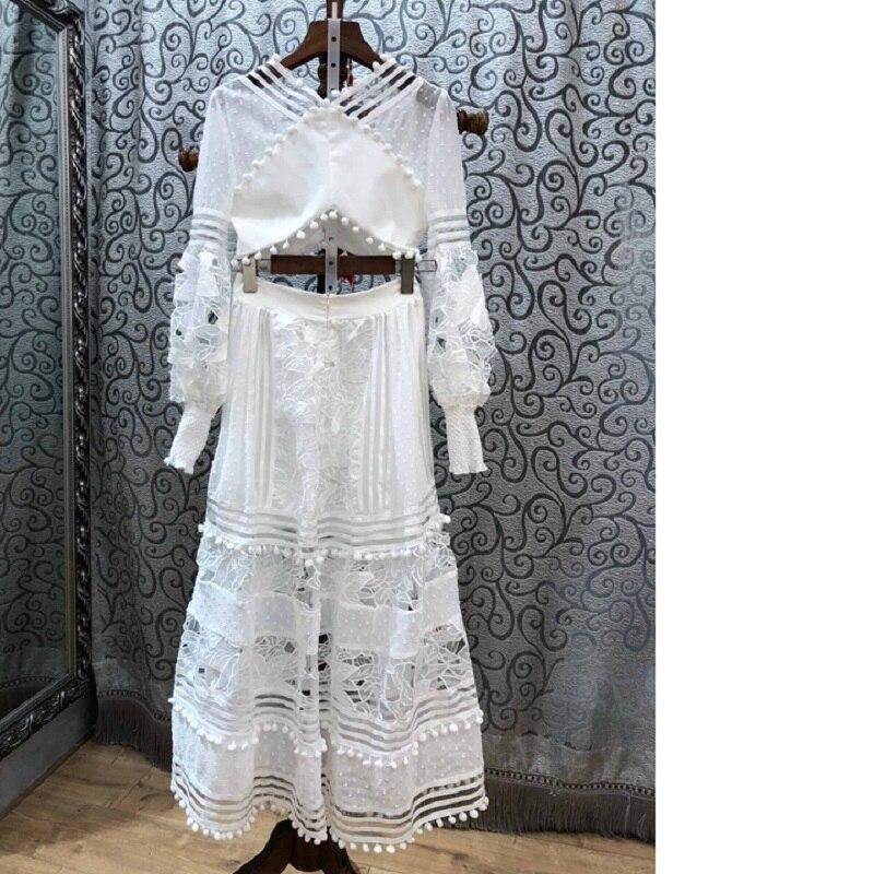 Top Designer Vêtements Évider Tops Haute Jupe Costume Broderie Longues Femmes Dentelle Taille Longue Maxi V Ensemble Qualité cou Manches Crop 5jL4AR