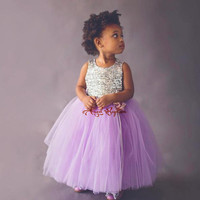 Sparkly Pretty mor lavanta çiçek kız elbise bling sequins ve bow yürüyor tutu elbise criss çapraz geri için doğum günü