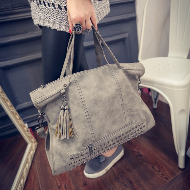 Tassel Shoulder Travel Bag Larger Top-Handle