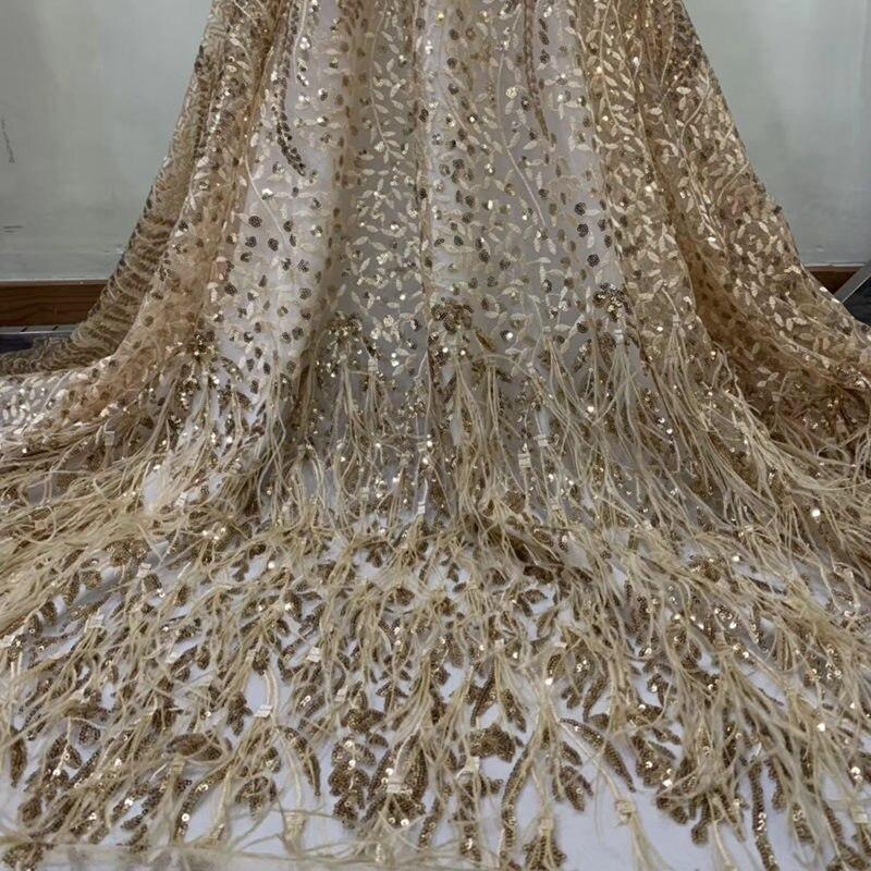 5 yards hoge kwaliteit met veer geborduurde net tulle mesh kant goud frans pailletten kant stoffen voor trouwjurk QG873-in Kant van Huis & Tuin op  Groep 1