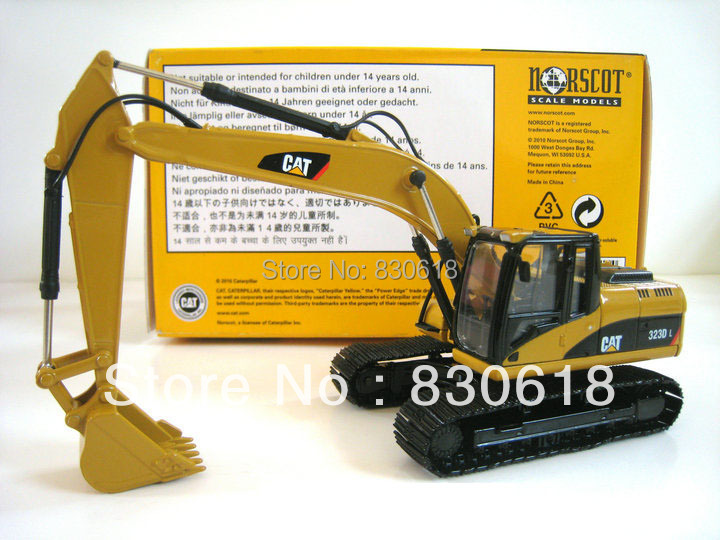 Norscot Caterpillar 323D L Excavtoar NEW 1:50 DieCast Model 55215 Metal Tracks Construction vehicles toy new norscot 55196 cat caterpillar 950h wheeled loader 1 50 diecast model toy