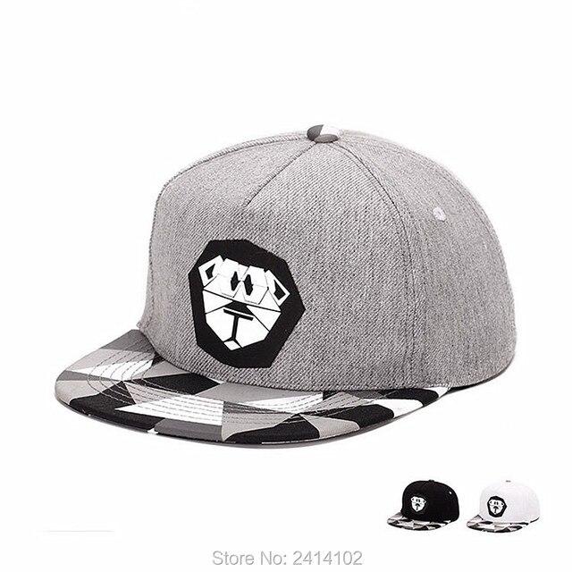 81703f6a506 Cotton snapback Unisex Mens The lion king Snapback flat brim Baseball Cap  Adjustable Hip-Hop Hats WHITE BLACK