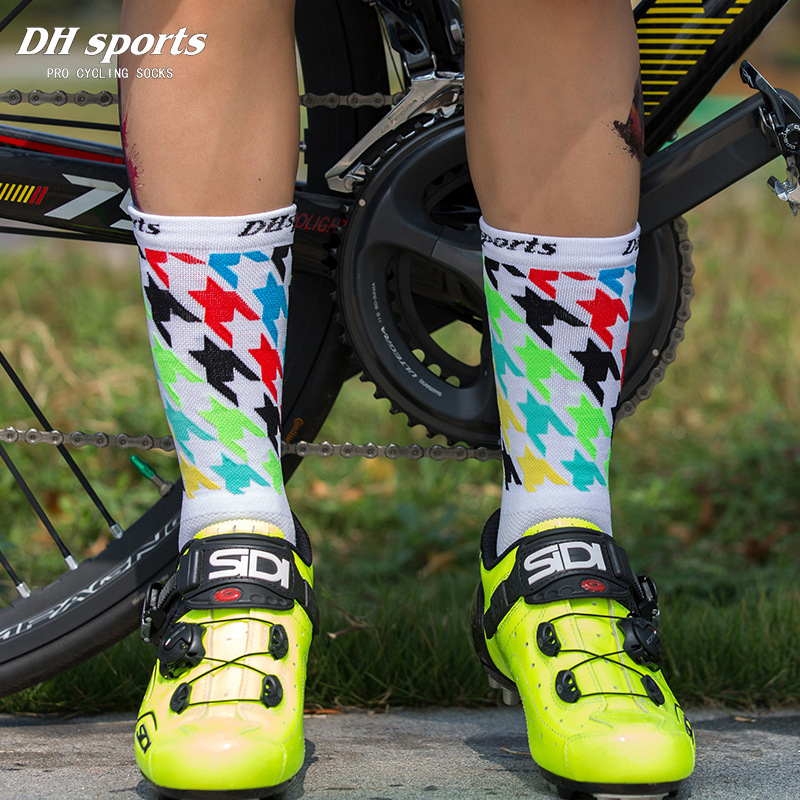 Professional Cycling Socks Breathable Outdoor Exercise Sports Hiking Socks Compression Athletic Riding Socks Men Women