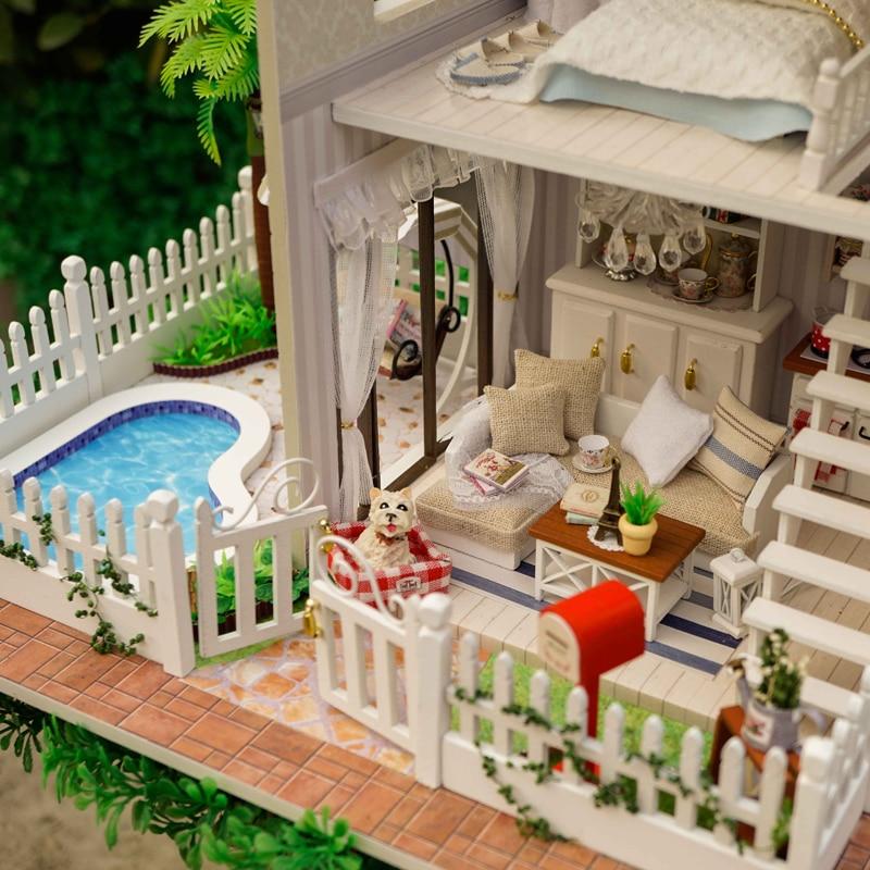 Oyuncaklar ve Hobi Ürünleri'ten Oyuncak Bebek Evleri'de DIY Modeli Bebek Evi Minyatür Dollhouse Mobilyaları LED 3D Ahşap Ev Oyuncaklar Çocuklar Için El Yapımı El Sanatları A025 # E'da  Grup 3