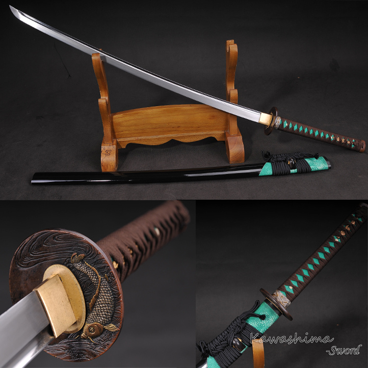 Handmade Katana Forged Damascus Folded Steel Blade Triangle Groove Wooden Scabbard With Stingray Skin Samurai Sword Handmade Katana Forged Damascus Folded Steel Blade Triangle Groove Wooden Scabbard With Stingray Skin Samurai Sword