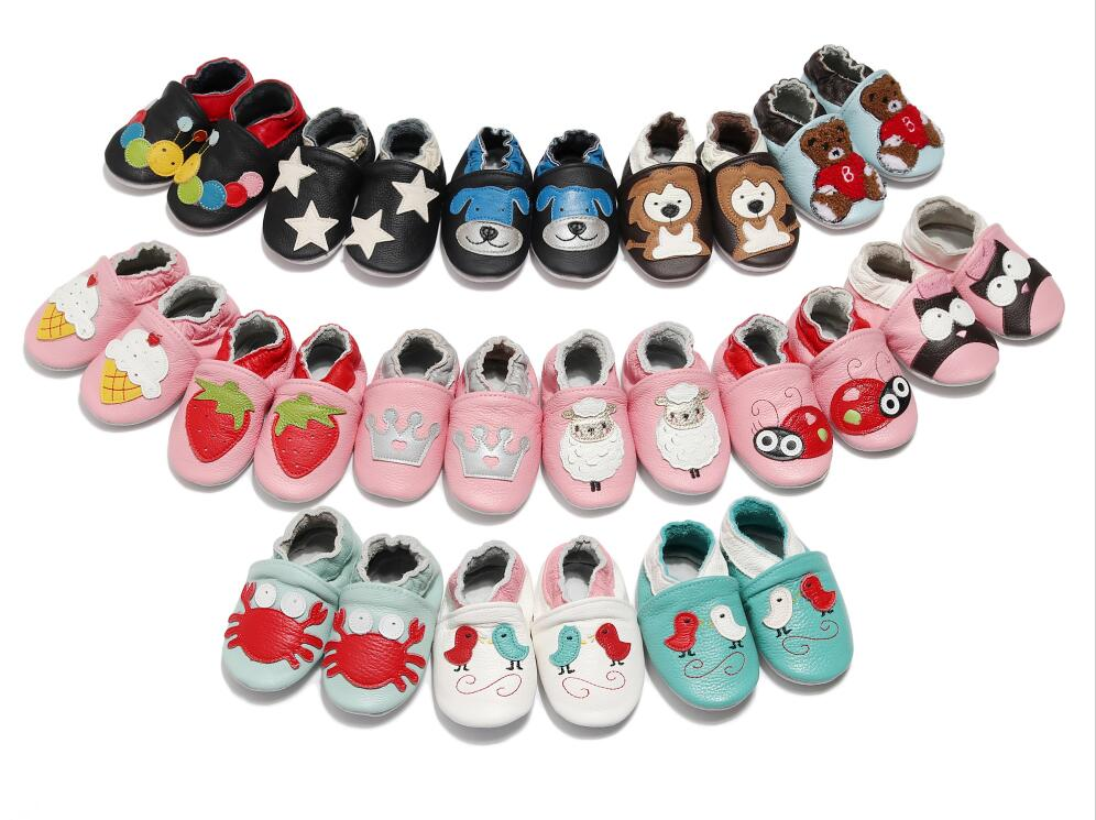 Genuine Leather Newborn Boys Girls Soft Antislip Baby Shoes Baby Moccasins 0-6-18-24Months Cartoon Skid-Proof Christmas Gifts