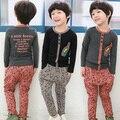 Nuevos niños de la llegada ocio de la manera de la ropa del muchacho 100% de algodón de manga larga camiseta + pantalones de traje de niño envío gratis