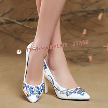 New Arrival PU Women Dress Pumps Fashion Chinoiserie Pointed Toe High Heel Blue Flower Embroider Cryatal Decorated Women Shoes