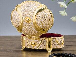 Image 5 - جديد! 2 مقاسات الزفاف هدية مربع قضية المجوهرات سبائك الزنك حلية صناديق معدنية زهرة منحوتة حزمة نزوة هدية عيد