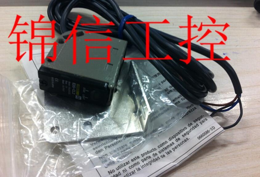 E3S-CL2 OMRON photoelectric sensor [zob] new original omron omron beam photoelectric switch e3jk tr12 c 2m 2pcs lot
