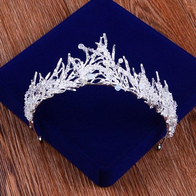 Barroca Artesanal Chama Coroa com Perola Rhinestone Enfeites de Cabelo Joias  Cocar de Noiva Da Princesa 4fe3adaf8e