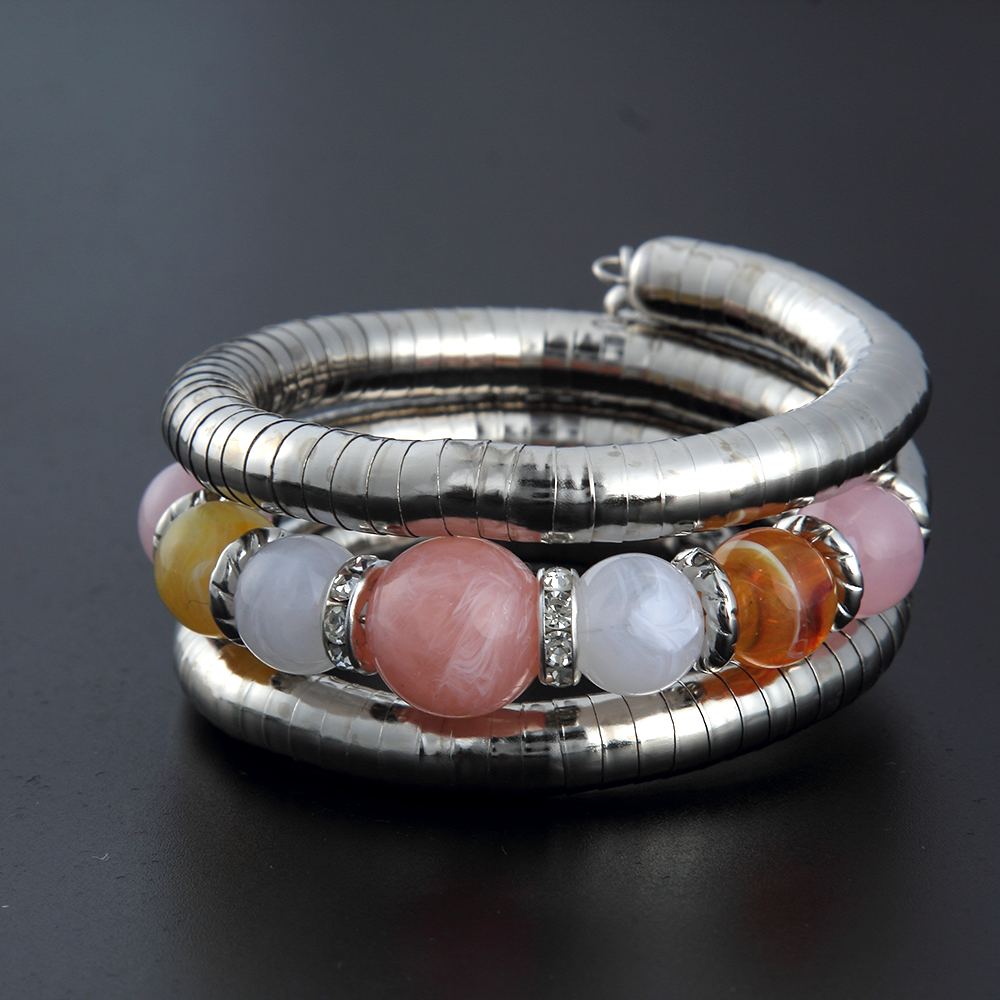 2017 Neue Mode Vintage Metall Frauen Wrap Armreifen Armbänder Mit Drei Farbe Perlen Charme Einstellbar Armband Schmuck Hell Und Durchscheinend Im Aussehen